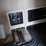 rozdzielacz instalacji CO oraz zestaw wodomierzowy